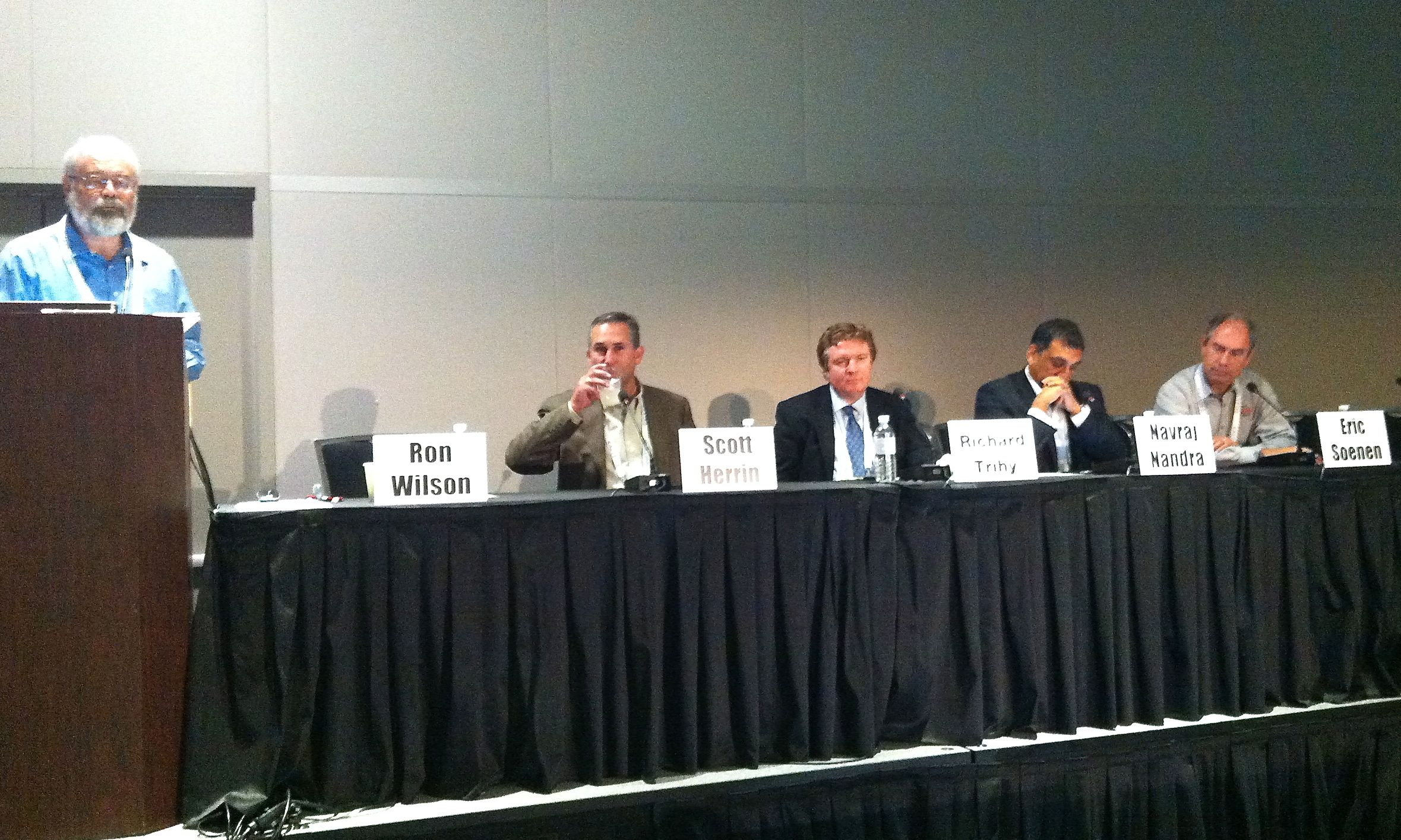 FinFETs and Analog panel: (L-R) Ron Wilson (moderator); Scott Herrin (Freescale); Richard Trihy (GlobalFoundries); Navraj Nandra (Synopsys); Eric Soenen (TSMC).