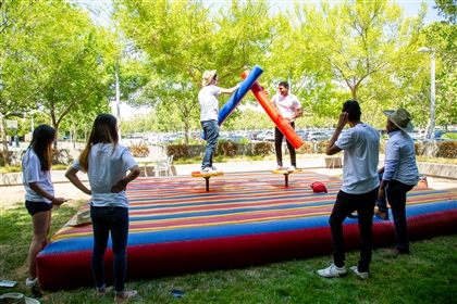 San Jose interns enjoy carnival games at the 2019 San Jose Showcase and Intern Mixer.
